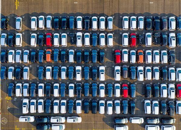 海南自贸港进口的免税汽车、飞机能进入内地吗?
